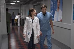"NEW AMSTERDAM -- ""Double Blind"" Episode 215 -- Pictured: (l-r) Janet Montgomery as Dr. Lauren Bloom, Ryan Eggold as Dr. Max Goodwin -- (Photo by: Virginia Sherwood/NBC)"