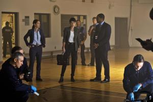 "Ep1.  Jenny Cooper (Serinda Swan) is greeted by Dets. ""Mac"" McAvoy (Roger Cross) and Taylor Kim (Alli Chung)."