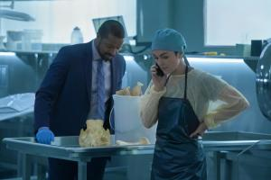 Ep5.  Mac (Roger Cross) and Jenny Cooper (Serinda Swan) sift though bones in the autopsy suite.