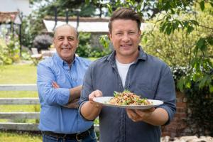 Jamie: Keep Cooking Family Favourites Ep4 - Jamie and Gennaro with Creamy Prawn Linguine