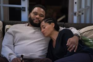 "BLACK-ISH - ""Relatively Grown Man"" - After Junior gets an offer for his dream job working with Migos, Dre and Bow are determined to convince him to return to college and get his degree on the season finale of ""black-ish,"" TUESDAY, MAY 21 (9:00-9:30 p.m. EDT), on The ABC Television Network. (ABC/Richard Cartwright).ANTHONY ANDERSON, TRACEE ELLIS ROSS"