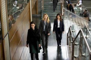 "(L-R): Claire Danes as Carrie and Andrea Deck as Jenna Bragg in HOMELAND, ""Deception Indicated"". Photo Credit: Sifeddine Elamine/SHOWTIME."
