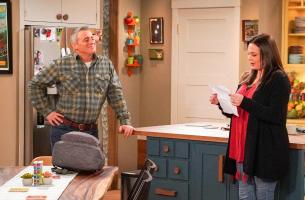 """We Don\'t Need Another Hero"" - Adam gets jealous when Teddy names Andi as his hero for a school essay, on MAN WITH A PLAN, Monday, April 15 (8:30-9:00 PM, ET/PT) on the CBS Television Network.  Pictured (L-R) Matt LeBlanc as Adam Burns and  Liza Snyder as Andi Burns   Photo: Monty Brinton/CBS ÿ¿ÿ©2018 CBS Broadcasting, Inc. All Rights Reserved"