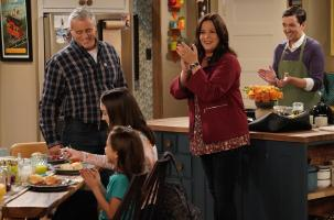 MAN WITH A PLAN will return for its third season on Monday, Feb. 4 (8:30-9:00 PM, ET/PT) after HAPPY TOGETHER completes its season run. MAN WITH A PLAN stars Golden Globe Award winner Matt LeBlanc in a comedy about an old-school guy confronting the modern challenges of parenting, marriage and family.  Pictured (L-R) Matt LeBlanc ,  Grace Kaufman,  Hala Finley, Liza Snyder, and Matt Cook   Photo: Robert Voets/CBS ÿ¿ÿ©2018 CBS Broadcasting, Inc. All Rights Reserved