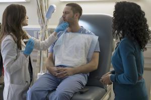 "NEW AMSTERDAM -- ""Pilot"" Episode 101 -- Pictured: (l-r) Janet Montgomery as Dr. Lauren Bloom, Ryan Eggold as Dr. Max Goodwin -- (Photo by: Francisco Roman/NBC)"