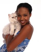 "63941 (8/15/99)--""SABRINA, THE TEENAGE WITCH"" will air FRIDAYS (9-9:30 p.m.,ET) on the ABC Television Network. Shown is China Shavers with Juliette (the cat.).Photographer: BOB D'AMICO.L-R: CHINA SHAVERS, JULIETTE"