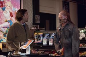 "Supernatural -- ""Mint Condition"" -- Image Number: SN1404b_0164r.jpg -- Pictured (L-R): Jared Padalecki as Sam and Barry Nerling as Hatchet Man/David Yaeger -- Photo: Dean Buscher/The CW -- ÿ¿ÿ© 2018 The CW Network, LLC All Rights Reserved"