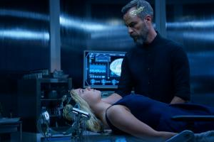 Pictured (L-R): Eliza Taylor as Clarke and JR Bourne as Russell VII