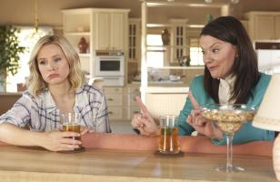 Pictured: (l-r) Kristen Bell as Eleanor Shellstrop, Maribeth Monroe as Mindy St. Claire